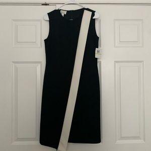 Donna Morgan. Black Dress w White Stripe. Sz 4.